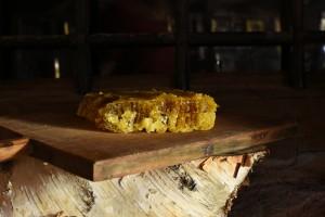 Восъчна пита с мед